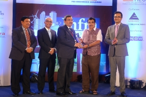 Dun and Bradstreet Infra Awards 2017 received by CMD IRCON